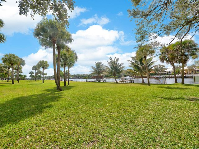 2162 Radnor Road, North Palm Beach, FL 33408
