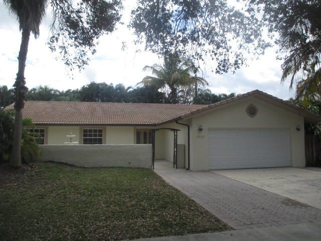 8832 Escondido Way E, Boca Raton, FL 33433