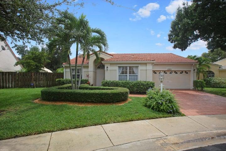 1041 Siena Oaks Circle, Palm Beach Gardens, FL 33410