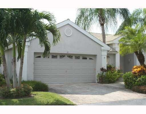 39 Admirals Court, Palm Beach Gardens, FL 33418