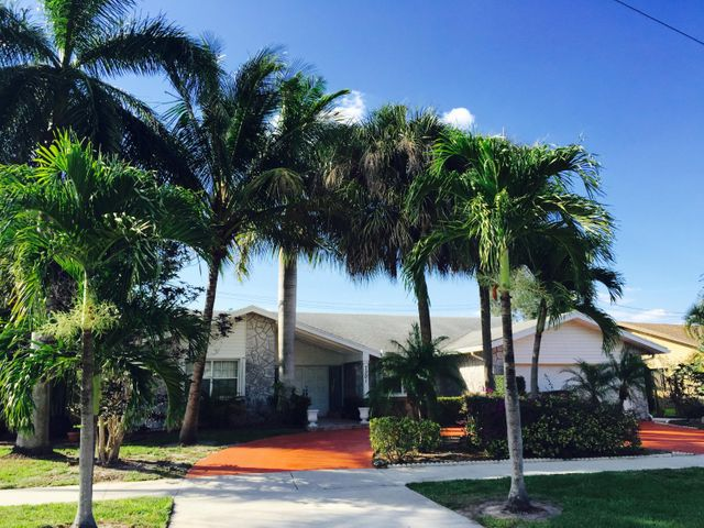 7301 E Country Club Boulevard, Boca Raton, FL 33487