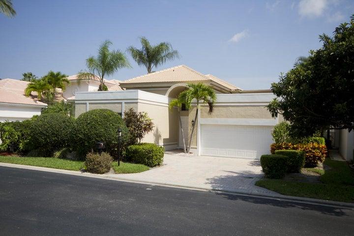 7041 Mallorca Crescent, Boca Raton, FL 33433