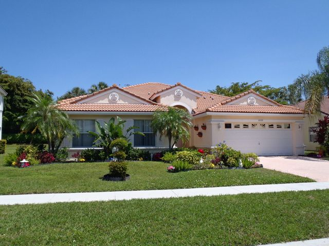 5722 La Gorce Circle, Lake Worth, FL 33463