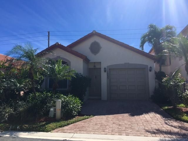 1095 Via Jardin, Riviera Beach, FL 33418