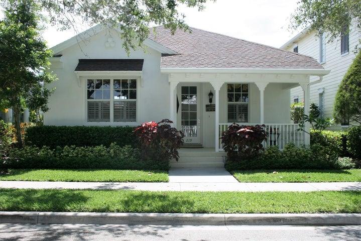 219 Newhaven Boulevard, Jupiter, FL 33458