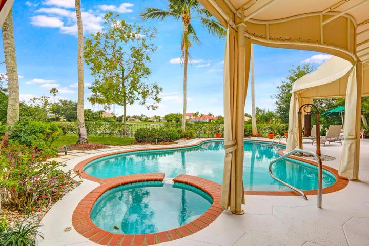 131 Golfview Court, Palm Beach Gardens, FL 33418