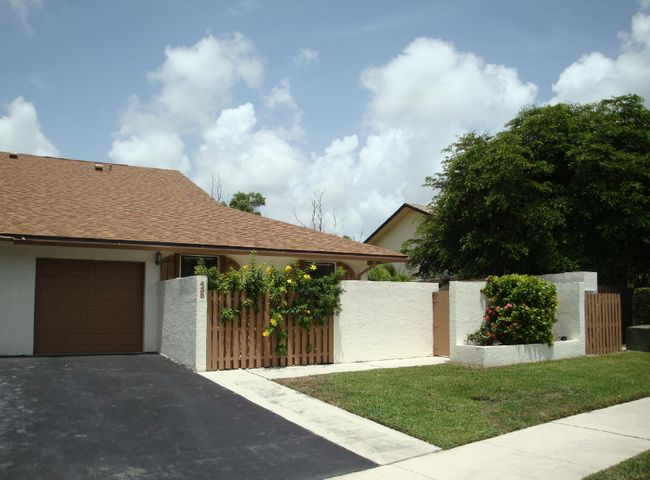 438 SW 29th Avenue, Delray Beach, FL 33445