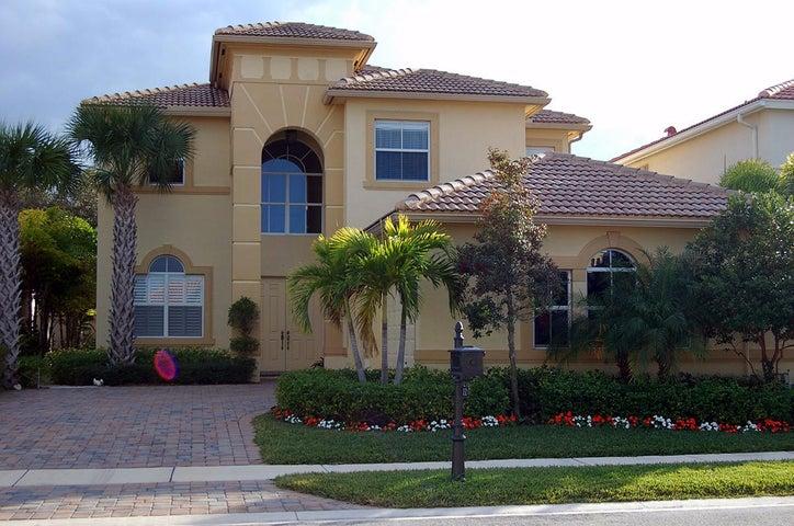 132 Casa Grande Court, Palm Beach Gardens, FL 33418