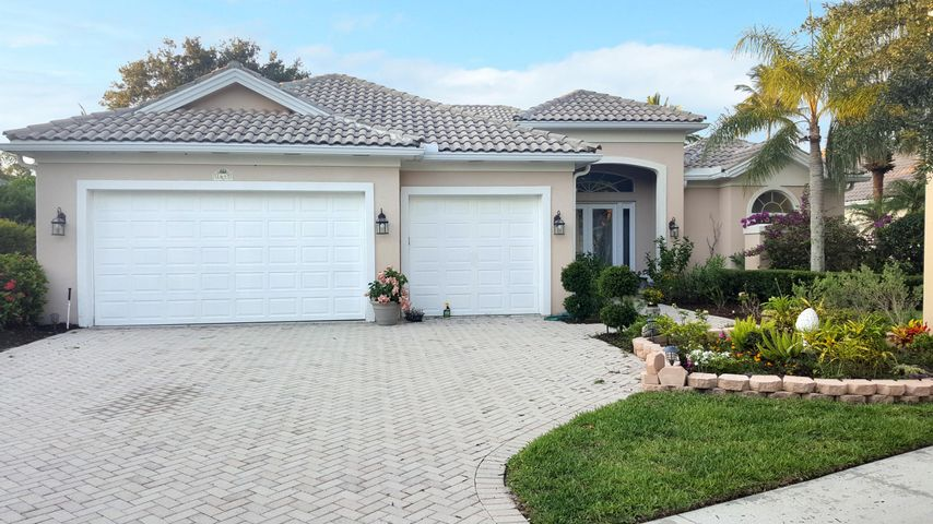 1641 Flagler Manor Circle, West Palm Beach, FL 33411
