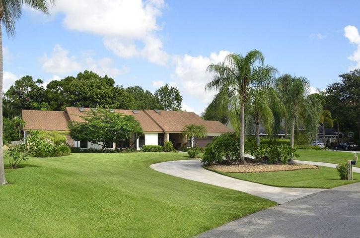 6476 Woodlake Road, Jupiter, FL 33458