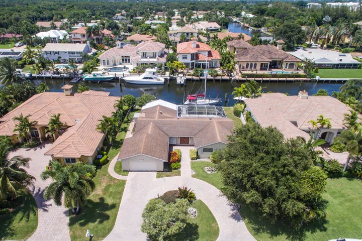 2389 Azure Circle, Palm Beach Gardens, FL 33410