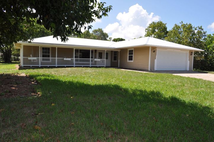 18271 Little Oaks Drive, Jupiter, FL 33458