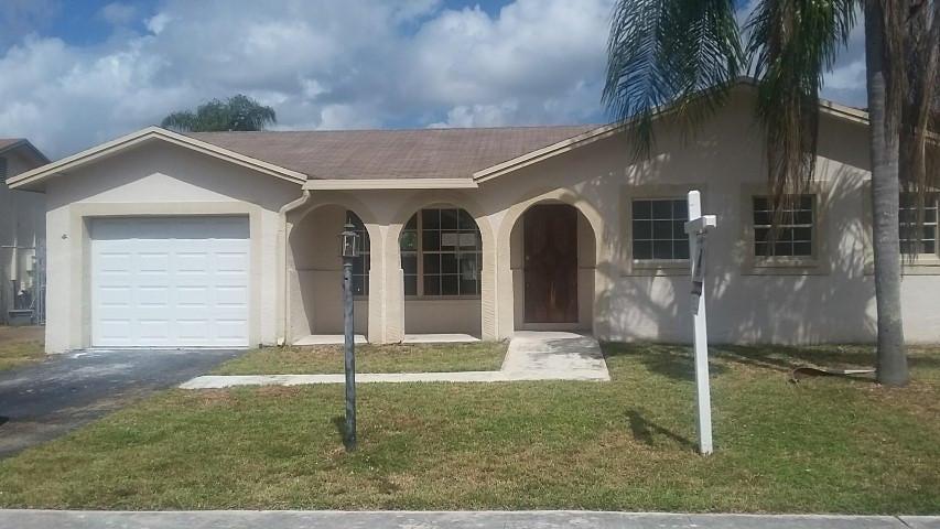 22359 SW 65th Avenue, Boca Raton, FL 33428