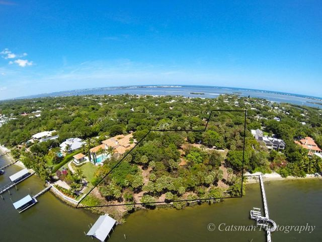 131 S River Road, Sewalls Point, FL 34996