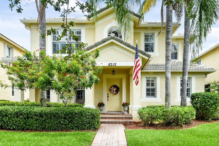 8212 Calterra Drive, Palm Beach Gardens, FL 33418