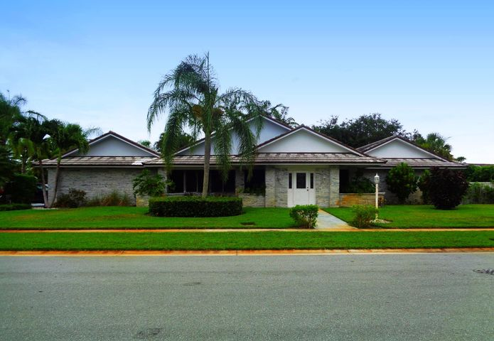 12973 Calais Circle, Palm Beach Gardens, FL 33410