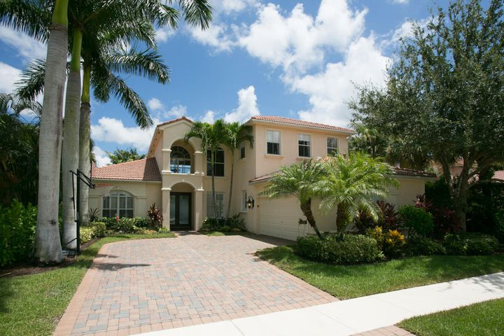 106 La Vida Court, Palm Beach Gardens, FL 33418