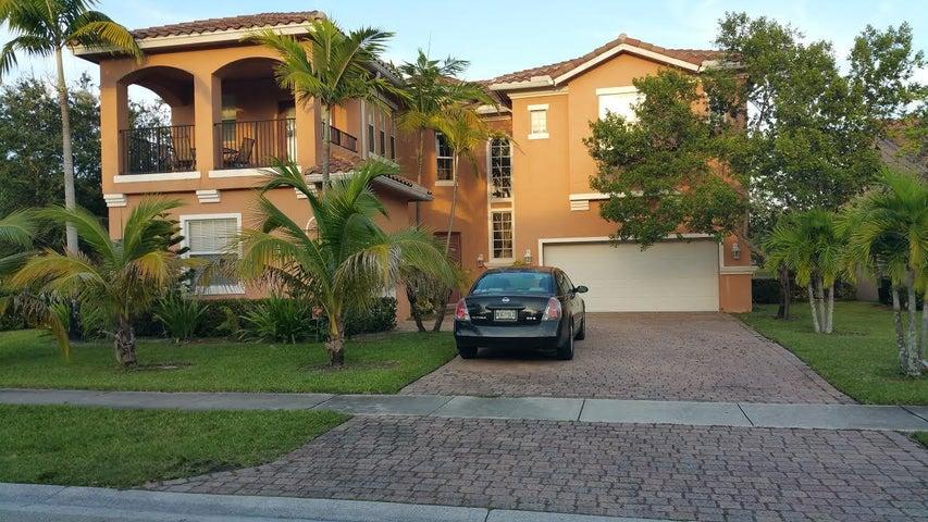 485 Cresta Circle, West Palm Beach, FL 33413