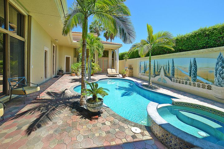Private Courtyard with South-Facing Pool for Optimal Sunshine all day long!