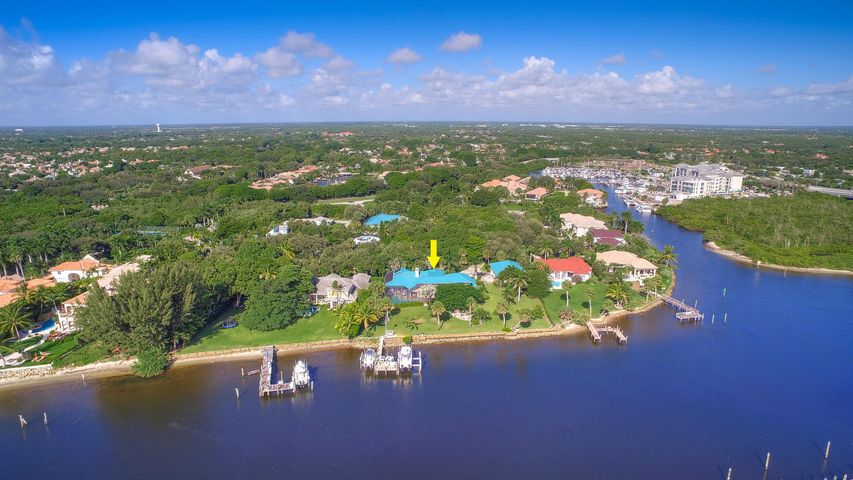 218' of Intracoastal Frontage w/ 2 Boat Lifts