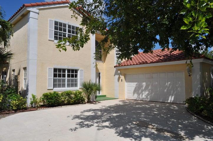 10579 Pebble Cove Lane, Boca Raton, FL 33498