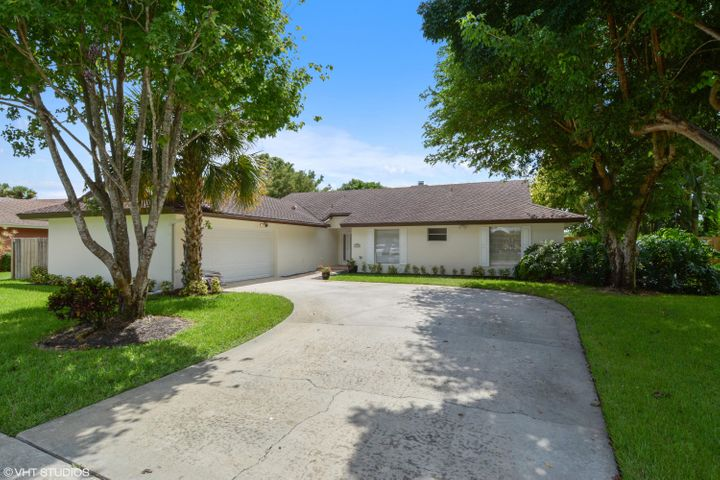 1426 Sailboat Circle, Wellington, FL 33414