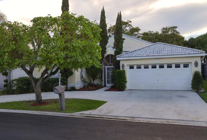 4941 Broadstone Circle, West Palm Beach, FL 33417