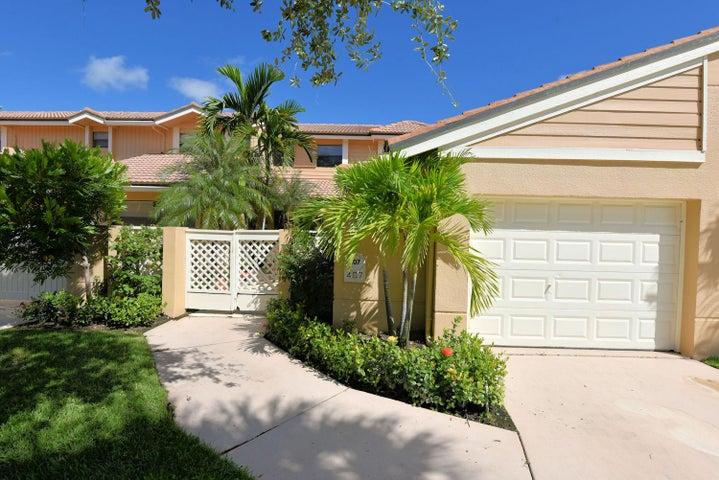 407 Prestwick Lane, Palm Beach Gardens, FL 33418