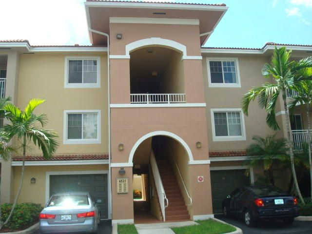6521 Emerald Dunes Drive, 206, West Palm Beach, FL 33411