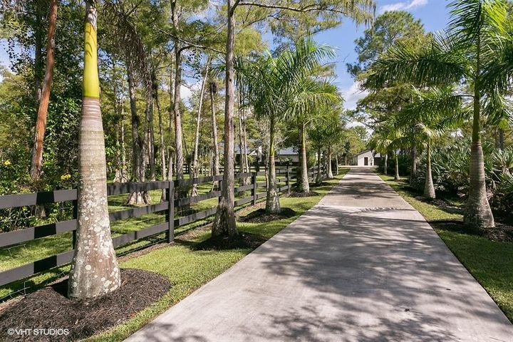 13318 Deer Creek Drive, Palm Beach Gardens, FL 33418