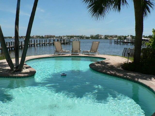 200 N Lake Drive, Lantana, FL 33462