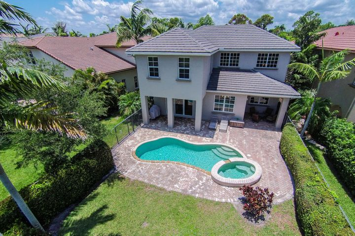 808 Lincoln Court, Palm Beach Gardens, FL 33410