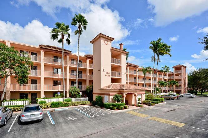 6144 Kings Gate Circle, Delray Beach, FL 33484