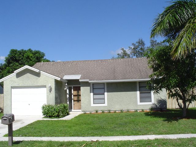 138 Greentree Circle, Jupiter, FL 33458