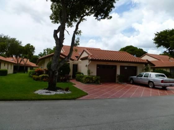 6506 Royal Manor Circle, Delray Beach, FL 33484