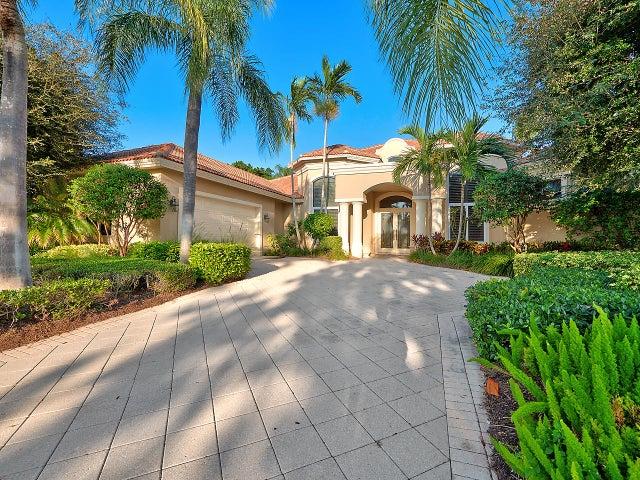 50 Saint James Drive, Palm Beach Gardens, FL 33418