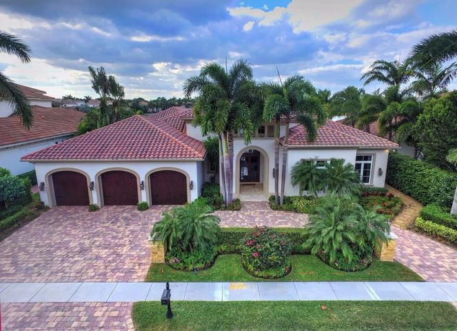 648 Hermitage Circle, Palm Beach Gardens, FL 33410