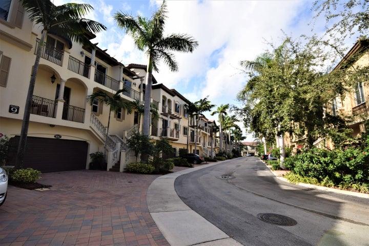 3071 Waterside Circle, Boynton Beach, FL 33435