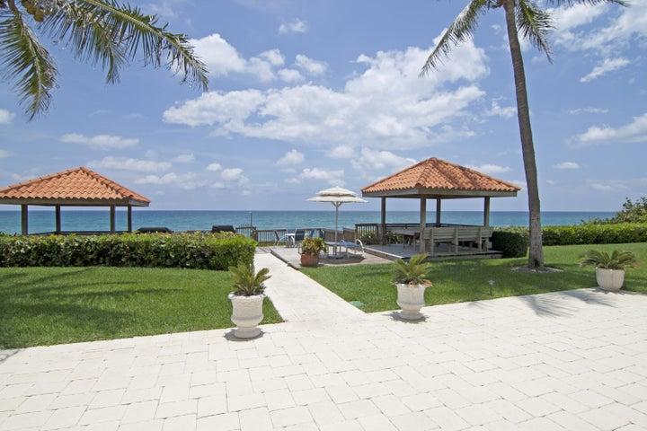 3951 N Ocean Boulevard, 101, Gulf Stream, FL 33483