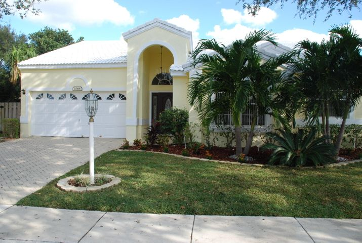 1068 Siena Oaks Circle E, Palm Beach Gardens, FL 33410