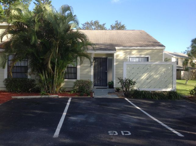 501 Lakewood Drive, D9, Jupiter, FL 33458