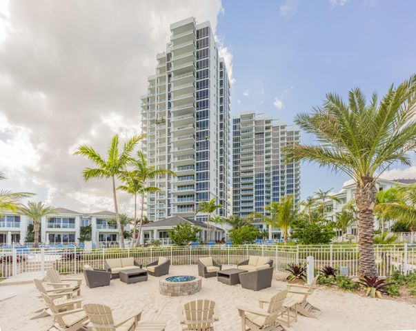 2 Water Club Way, 601, North Palm Beach, FL 33408