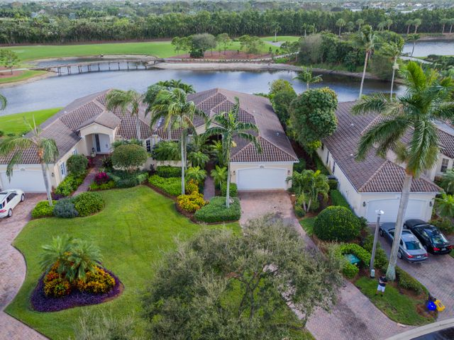 108 Village Clubhouse Circle, Jupiter, FL 33458