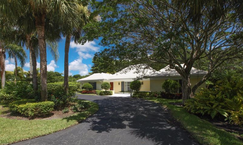 1 Country Road, Village Of Golf, FL 33436