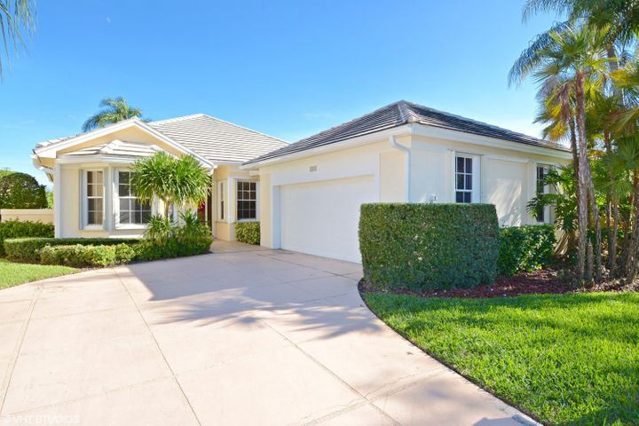 218 Woodsmuir Court, Palm Beach Gardens, FL 33418