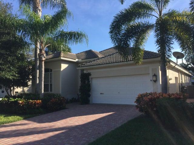 108 Palm Circle, Atlantis, FL 33462