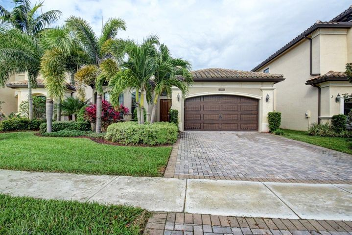 8931 Little Falls Way, Delray Beach, FL 33446