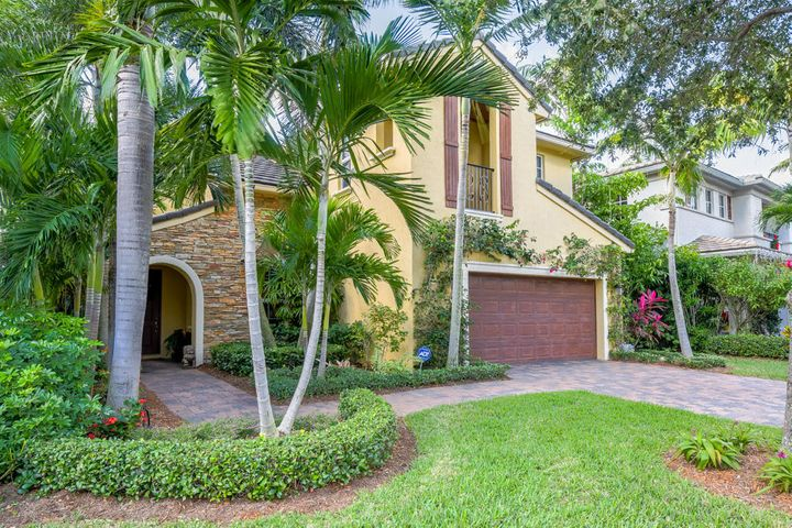 832 Madison Court, Palm Beach Gardens, FL 33410