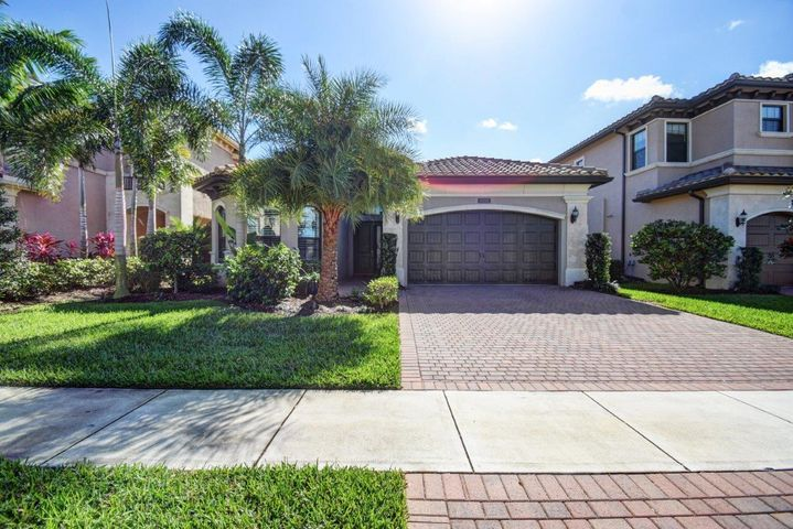 8218 Lawson Bridge Lane, Delray Beach, FL 33446