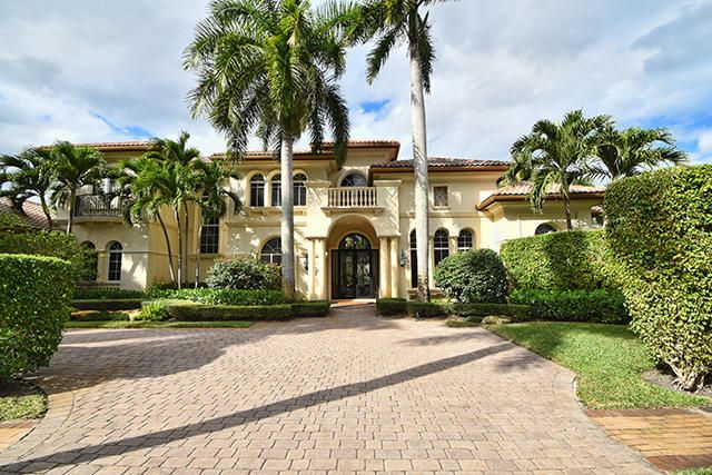 6829 Queenferry Circle, Boca Raton, FL 33496